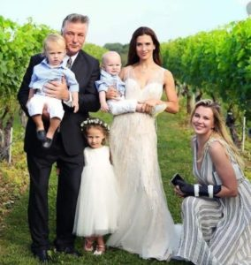 hilaria-baldwin-wiki-wedding-kids-net-worth