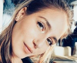 Amanda-Batula-Wiki-Age-Height-Surgery-Job-Kyle-Cooke