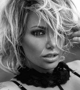 Tina-Louise-[Model]-Bio-Brian-Austin-Green-Age-Tattoos