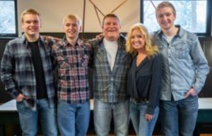 clint-robertson-bio-net-worth-wife-sons-height-age